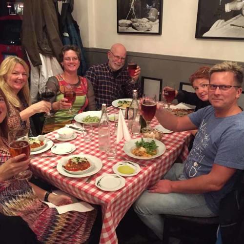 Middag På Rutiga Dukar Och Superb Pasta Kvällen Innan!