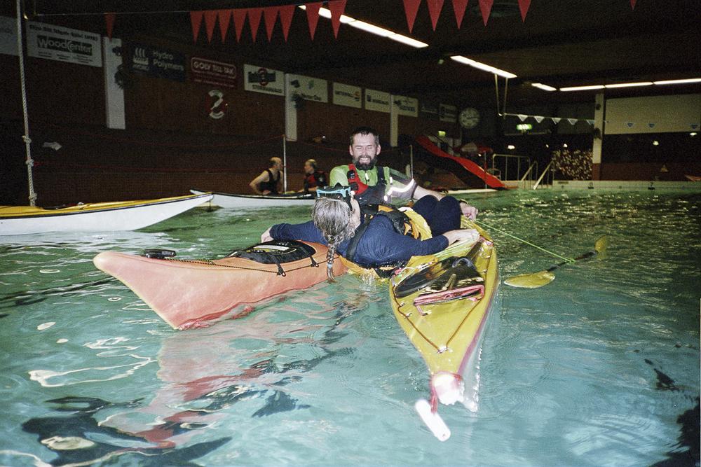 Kajakträning i bassäng